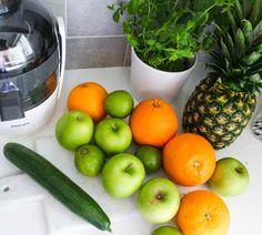 / reklamelink Etter en sommer med litt for mye usunn mat, er jeg virkelig klar for å komme inn i... Juicing, Apple, Vegetables, Food, Apple Fruit, Juice, Essen, Vegetable Recipes, Meals