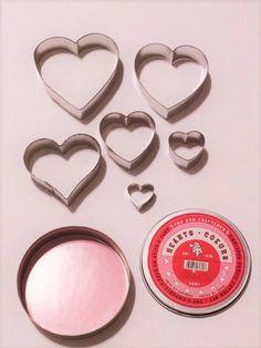 Craftsmen Tinplated 6 Heart Cookie Cutter Set by NadyasVintageNook on Etsy https://www.etsy.com/listing/570831586/craftsmen-tinplated-6-heart-cookie