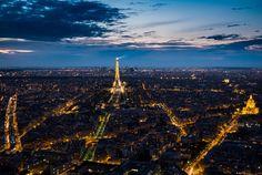 Tour Eiffel Night View - Paris street view