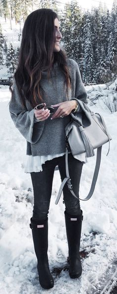 #winter #fashion / Grey Knit / Grey Leather Tote Bag / Black Boots / Black Skinny Jeans