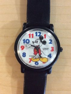 Vintage-Mickey-Mouse-Lorus-Quartz-Watch-Red-And-Blue-Numbers