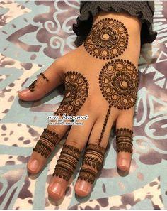 Looking for trending rakshabandhan mehndi designs? You& reached the right place! We& curated rakshabandan mehndi design images that& inspire you. Mehndi Designs Book, Back Hand Mehndi Designs, Simple Arabic Mehndi Designs, Mehndi Designs For Girls, Mehndi Designs For Beginners, Modern Mehndi Designs, Dulhan Mehndi Designs, Mehndi Design Photos, Wedding Mehndi Designs