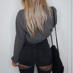 """3,893 mentions J'aime, 33 commentaires - Lydia Rose (@fashioninflux) sur Instagram : """"Okayyy new @asos Farleigh Jeans are love but I think big hips will be the cause of obscene ripped…"""""""