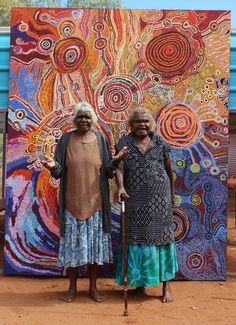 Mrs Paniny Mlck and Wawiriya Burton from the APT Lands Art Centre Collective