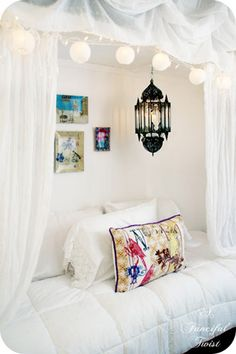 Indie Fixx » Blog Archive » A Peek Inside: indie home tours with Vanessa Valencia from {A Fanciful Twist}