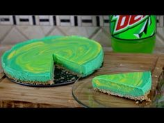 See how to make this homemade Mountain Dew cheesecake recipe. This is a fun recipe to make for someone who loves Mountain Dew. Also see how to make Mountain Dew syrup which is used for flavoring th… Mountain Dew Cupcakes, Mountain Dew Cake, Homemade Cheesecake, Cheesecake Recipes, Dessert Recipes, Pie Recipes, Dessert Ideas, Baking Recipes, Bakken