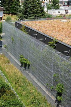 Erweiterung einer Transformatorenhalle / Grüner Vorhang in Lyon - Architektur und Architekten - News / Meldungen / Nachrichten - BauNetz.de