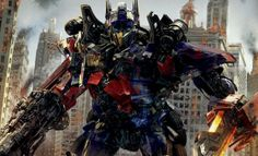 Optimus Prime goes medieval in new Transformers: Age of Extinction image | Moviepilot