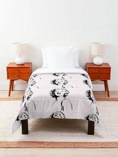 """""""Women Power - Marilyn Monroe"""" Comforter by Michalala College Dorm Rooms, Square Quilt, Powerful Women, Marilyn Monroe, Comforters, Blanket, Pillows, Bed, Furniture"""