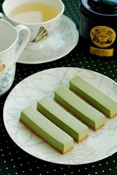 Matcha Pudding - looks just delightful! - think Matcha :)