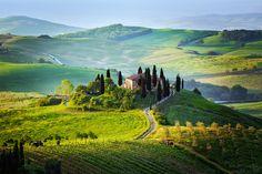 フィレンツェから日帰り旅トスカーナの小さな町チェルタルドとサンジミニャーノを電車で巡ろう もっと見る