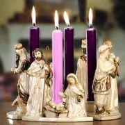 Nativity Advent Wreath. A repin via Pauli Sweigart •
