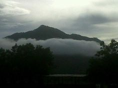 Amanecer en la Montaña Pacura en Olanchito,Honduras