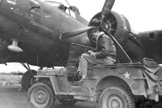 Pilot in his Jeep writing home before a mission. Old Jeep, Jeep Cj, Military Jeep, Military Vehicles, Jeep Images, Green Jeep, Willys Mb, Ww2 Aircraft, Military Aircraft