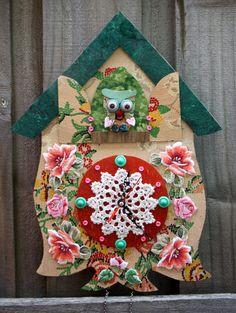 Scandinavian, or maybe Russian, looking clock with a little bit of crochet detailing. #crochet #clock #owl