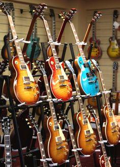 #Gibson Les Pauls
