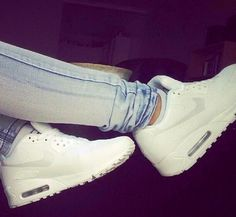 Nike airmax - white /lnemyi/lilllyy66/ Find more inspiration here: http://weheartit.com/nemenyilili/collections/27215480-n-ke