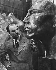 Robert Doisneau // Portrait du sculpteur Arno Brecker dans la fonderie de Rudier, Paris , 1941