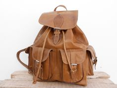 Sac à dos en cuir marron vintage style Taille moyenne : Sacs à dos, cartables par noussabags