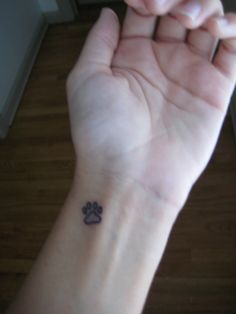 Hmmm. Outline only? This is the question! This is the size i want (about the size of a one pence piece)