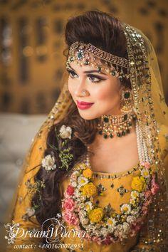 Bridal Mehndi Dresses, Pakistani Wedding Dresses, Desi Wedding, Wedding Bride, Bridal Looks, Bridal Style, Pakistani Bridal Couture, Bengali Bride, Bridal Makeover