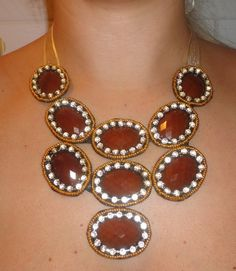 Maxi Colar marrom e dourado - Designed by Talitha Jacob R$115,00