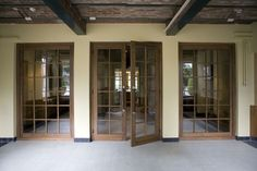 SIX Architects (Project) - Restauratie interieur 'Het Oude Raadhuis', Vught - architectenweb.nl // mooie houten tussendeur