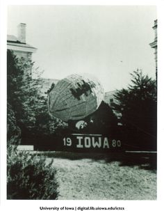 Homecoming corn monument, The University of Iowa, 1980 http://digital.lib.uiowa.edu/cdm/ref/collection/ictcs/id/3813