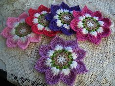 Ravelry: Project Gallery for Lotus Moon Tiles pattern by Polly Plum Form Crochet, Crochet Blocks, Crochet Squares, Crochet Motif, Crochet Stitches, Crochet Cactus, Crochet Mandala, Knitted Flowers, Crochet Flower Patterns