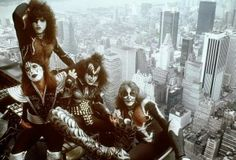 Kiss on the Empire State Building, 1970s.