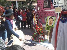 Exigen justicia por Ernesto Bábago frente a Palacio y la Fiscalía General seis años después de su homicidio | El Puntero