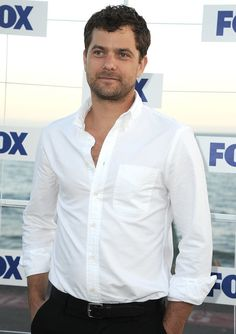 Joshua Jackson - Pacey is all grown up!
