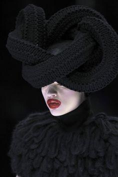 velvetrunway:  Alexander McQueen F/W 2009 Posted byarcaneist