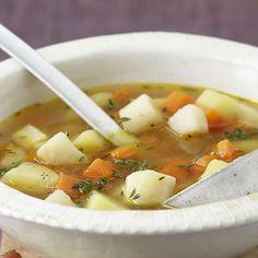 Fein-würzige Kartoffel Käse Suppe, garniert mit leckeren Kartoffel- und Karotten-Würfeln. Ich-liebe-käse.de besuchen und weitere cremige Suppen entdecken!