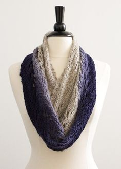 Knitted Cowl from mockturtledove