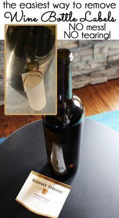 Agua hirviendo para quitar etiquetas
