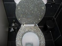 Glitter Toilet Seat! Sooo cool! I would love to order this for Miranda. Maybe then her bathroom will always be clean, because she'll want to show it to all her friends :P