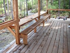 Well Designed Deck Railing Ideas for your Beautiful Porch as well as Patio! Cabin Decks, Cabin Porches, Decks And Porches, Backyard Seating, Backyard Patio, Deck Seating, Deck Benches, Porch Bench, Table Bench