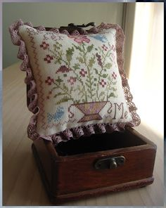 Koala's place - CrossStitch & Embroidery: April pincushion for the Basket (BBD)    Nina's Threads: Olive Oil, Teal, Caramel, Prune, Charlotte, Cherry Blossom, Old Berry  Nina's linens: Light Honey, 36ct  Lace by Nina: Old Mauve