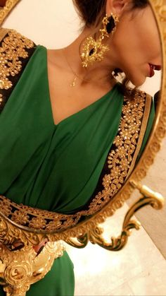 Arab Women, Muslim Women, Arab Fashion, 90s Fashion, Pakistani Bridal Makeup, Lovely Girl Image, Profile Picture For Girls, Mode Chic, Girly Pictures