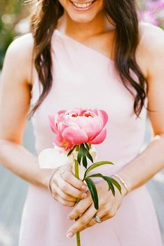 Peony single flower. I love the idea of one big flower for the bridesmaids