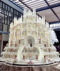 Family-run Le Novelle Cake in Indonesia bakes epic fairytale cakes that look straight out of a Disney film. Some cakes are nine tiers and seven metres tall.