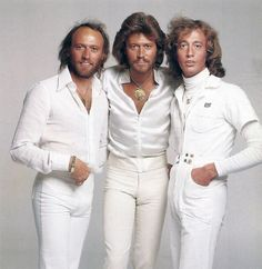 men The Bee Gees.and their skin tight pants. Oh yes disco was the best. I was only 12 years old, but loved to dance with my cousin to their music! Warner Music, Andy Gibb, New Wave, We Will Rock You, Pop Rock, Skin Tight, My Favorite Music, Music Artists, My Music