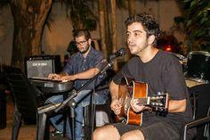 Arnaldo Pacheco ( Voz é Violão ) e Weber Liberato ( Teclado ) - Adoro eles, Alta Sensibilidade e Talento.