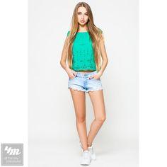 Топ Leo Pride «Прошва TP 640» (Зеленый) http://lnk.al/48Mz  Летние топы - одежда, безусловно, для жаркой погоды. Полет дизайнерской мысли в создании этих предметов гардероба не имеет границ и включает разнообразные модели на любой вкус.