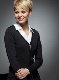 #Corporateclothing Jessica Ladies V-Neck Cardigan with White Trim V Neck ladies cardigan with white trim. Flattering fitted body shape. 62% Nexio Viscose 36% Polyamide 2% Elastine Sizes 1 (size 6)   2 (size 8/10)   3 (size 12/14)   4 (size 16/18)  5 (size 20/22)  6 (size 24/26) Product code: VOR-JESSICA £28.83 (Excl. VAT) #SureswiftInternational