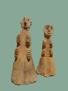 Worshippers, Sabaean, clay, 3rd century B.C. - 2nd century A.D. Collection: Museum fuer Kunst und Gewerbe, Hamburg, Deutschland. (photo: lngrd)
