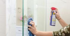 This post will show you how to keep your shower doors clean for weeks at a time. If you've been wondering how to remove soap scum and water stains from your shower doors then these cleaning t… Clean Shower Doors, Glass Shower Doors, Shower Walls, House Cleaning Tips, Cleaning Hacks, Cleaning Products, Wd 40 Uses, Hard Water Stains, Shower Cleaner