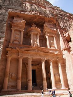 Petra, Jordan (Favorite wonder of the world, I want to go here so bad! 7 World Wonders, Places To See, Places Ive Been, City Of Petra, 7 Continents, Unique Architecture, Vacation Destinations, Beautiful Landscapes, To Go