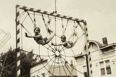 16_1938_leininger_twins_spider_web_trapeze.jpg (1800×1202)
